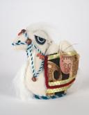 Верблюжонок из войлока с кувшинами